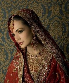 When we talk about a bride,the first thing came in a mind is bridal jewelry,bridal makeup with her lovely looks.Here is a model Amina Sheikh in bridal photoshoot Pakistani Bridal Jewelry, Indian Bridal, Bridal Jewellery, Bridal Mehndi, Indian Jewelry, Asian Wedding Dress, Pakistani Wedding Dresses, Indian Marriage, Bridal Photoshoot
