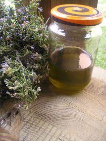 caléndula en aceite de almendras          Método Ancestral   Las plantas se recolectan en luna creciente e inmediatamente después, se po...
