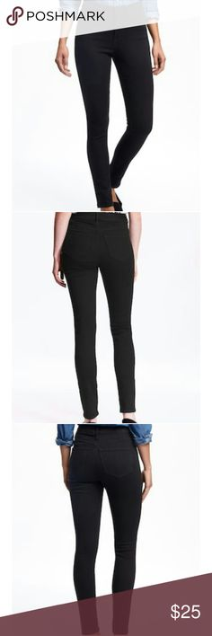 High Rise Black rockstars Black high rise Rockstars.  Offers Welcomed  Photos from the Old Navy Website. Old Navy Jeans