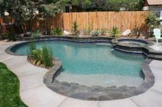 High Desert Flagstone coping, steps, veneer, and beach entry, and pebble interior. Backyard Pool Landscaping, Backyard Pool Designs, Small Backyard Pools, Small Pools, Swimming Pools Backyard, Swimming Pool Designs, Landscaping Borders, Stone Landscaping, Florida Landscaping