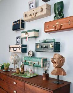 Иногда, хочется сделать интерьер ярким и необычным.Сделать это легко и просто можно с помощью украшений для стен. В нашей статье мы покажем несколько идей для украшения стен в Вашей квартире.