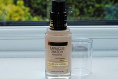Max Factor Miracle Match Foundation Review & Swatches