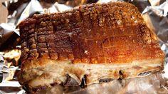 Hellstrøms ribbe - Eyvind Hellstrøms juletallerken med ribbe, medisterkaker, medisterpølse, mandelpotetpuré og annet godt tilbehør.