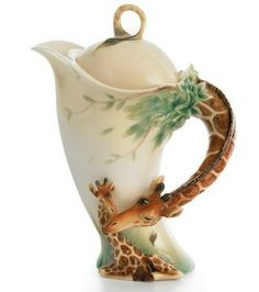keramici - Junge Keramikfreunde    Giraffe Porcelain Teapot from the Franz Collection  (wildlifewonders.com),https://fbcdn-sphotos-h-a.akamaihd.net/hphotos-ak-ash4/421014_531362273554355_1765693729_n.jpg
