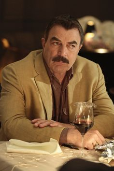 Frank Reagan (Tom Selleck) celebrates his granddaughter Nicky's Sweet Photo: Giovanni Rufino/CBS CBS Broadcasting Inc. All Rights Reserved. James Gardner, Amy Carlson, Blue Bloods Tv Show, Peter Hermann, Jesse Stone, Blood Photos, Sam Elliott, Famous Wines, Donnie Wahlberg