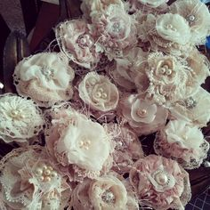 Shabby Chic Flowers created by Bona Rivera-Tran. Shabby Chic Flowers created by Bona Rivera-Tran. Shabby Chic Flowers, Shabby Chic Garden, Shabby Chic Pink, Shabby Vintage, Lace Flowers, Fabric Flowers, Shabby Chic Curtains, Shabby Chic Frames, Ideas Prácticas