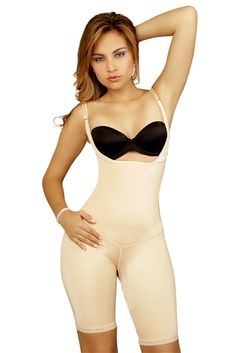 Achieve a seamless hourglass figure with this full body shaper. It is ideal for slimming your midriff and banishing bulges in your abdomen, back and thighs.