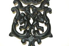 Vintage Wilton Trivet Cast Iron Angels Cherubs Black Rustic Kitchen Cabin