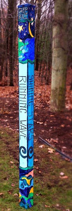 http://www.scribblingwithspirit.com/2015/01/diy-peace-pole-for-garden-art.html