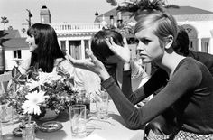 cher, sonny, and twiggy eating lunch in beverly hills, 1967