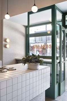 Local Melbourne Interior Design And Architecture Styling. Inspirational cafe designs and interior decor in Melbourne. Cafe Interior Design, Cafe Design, Kitchen Interior, Interior Architecture, Interior Styling, Simple Interior, Studio Interior, Design Shop, Interior Paint