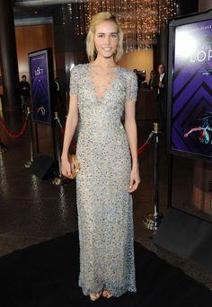 Hily Designs: Isabel Lucas brillo con un vestido de Jenny Packham en el estreno en L A de 'The Loft'