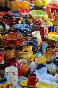 エックスアンプロヴァンスの市場、かわいい陶器, Aix-en-Provence market, Provence, France