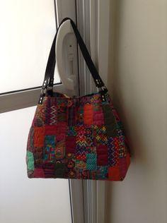 Bolsa feita com  retalhos  dos tecidos da Renata Blanco