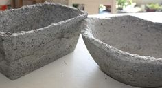 papercrete/ better than hypertuffa. The basic recipe for papercrete is approximately 3 parts paper pulp, 2 parts portland cement and 1 part perlite and other optional fillers. Cement Art, Concrete Crafts, Concrete Art, Concrete Projects, Concrete Planters, Outdoor Projects, Concrete Casting, Head Planters, Garden Planters