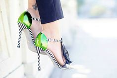 Zebra.Green.Tassels