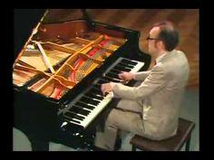 ▶ Schubert Piano Sonata No 18 D 894 G major, Alfred Brendel - YouTube