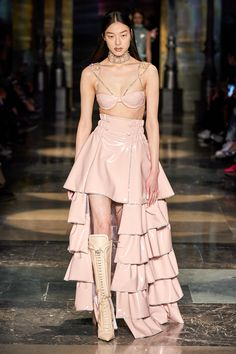Couture Fashion, Runway Fashion, Fashion Show, Fashion Design, Milan Fashion, Kpop Fashion Outfits, Stage Outfits, High Fashion Dresses, Mode Blog