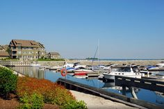 Lighthouse Point in Collingwood Ontario is a large waterfront condominium development that is situated along the shorelines of Georgian Bay. http://activerain.trulia.com/blogsview/4651311/lighthouse-point-collingwood-waterfront-real-estate