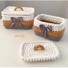 Crochet Basket Tutorial, Crochet Basket Pattern, Crochet Square Patterns, Crochet Designs, Crochet Stitches, Crochet Home, Knit Crochet, Crochet Camera, Bag Pattern Free