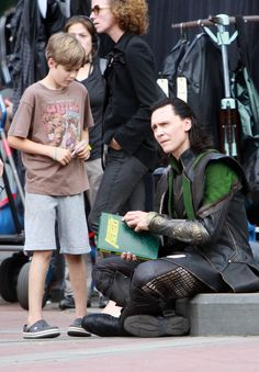 Ruffalo Jr and Hiddles - I really love Loki's costume the more I see of it