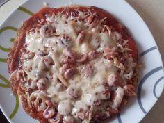 Sonkás-virslis-sajtos túrópizza (Fotó: Barna Kittus, Facebook)