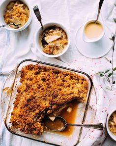 Vanilla Pear Crisp with Custard Sauce - Foodess