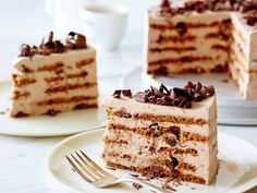 Recipe of the Day: Ina Garten's Mocha Chocolate Icebox Cake After layering store-bought cookies with creamy mocha whipped cream, let it sit overnight in the fridge until the layers merge and soften together. In the end, it's a cool, creamy make-ahead treat's that never seen the inside of an oven.