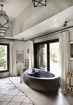 The look of the room is not so much me but, that stone tub is amazing! Stone Tub, Tadelakt, Ligne Roset, Bathroom Goals, Nature Decor, Bathroom Interior, Master Bathroom, Washroom, Home Remodeling