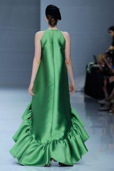 Glam Dresses, Fashion Dresses, Formal Dresses, African Maxi Dresses, Contemporary Fashion, Simple Dresses, Dress Patterns, African Fashion, Passion For Fashion