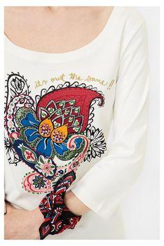 Camiseta blanca con paisley | Desigual.com D
