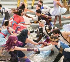 Descendants Mal And Ben, Descendants Wicked World, Descendants Characters, Disney Channel Descendants, Disney Descendants 3, Descendants Cast, Disney Channel Stars, Dove Cameron, High School Musical