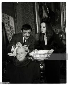 John Astin as Gomez, Carolyn Jones as Morticia, and Jackie Coogan as Uncle Fester in The Addams Family The Addams Family 1964, Addams Family Tv Show, Adams Family, Family Goals, Family Love, Family Values, Gomez And Morticia, Morticia Addams, Ted Cassidy