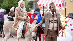 Citizen Khan Season 4 Episode 7 Full Episode | S04E07 Snowmen, reindeers and an actual donkey, it must be Christmas in the Khan household. Mr Khan embraces Christmas like never before, even launching his own range of traditional halal mince pies with the help of a local business dragon. Shazia and Amjad try to find somewhere else to live, because their landlord is selling their house and they can't afford the deposit to buy it. Naani has a solution - she's going to give them the money for…