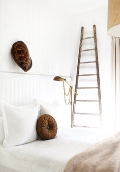 17 Tiny Bedrooms With HUGE Style via @MyDomaine