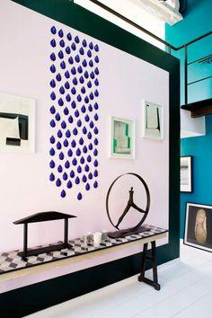Парижские квартиры от дизайнера Sarah Lavoine, выделяются буйством красок и неординарными решениями в интерьере. Эта квартира во французской столице не стала исключением.