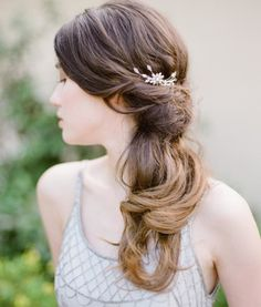 These side swept hairstyles are elegant, stylish and sexy. Check them out to get many ideas on how to pull your hair to the side. Side Swept Hairstyles, Indian Hairstyles, Bridal Updo, Trends, Your Hair, Long Hair Styles, Elegant, Stylish, Sexy