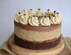 Cheesecake de ciocolata - cheesecake copt delicios - simonacallas Snickers Cheesecake, Red Velvet Cheesecake, Chocolate Chip Cheesecake, Cheesecake Recipes, Sweets Recipes, Cheesecakes, Key Lime, Vanilla Cake, Nutella