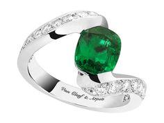 Van Cleef & Arpels Pierre de Couleur Hirondelle solitaire ring - platinum set with a central 1.79ct cushion-cut emerald and round diamonds