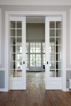 Internal Bifold Doors White | Screen Door | Residential Entry Doors