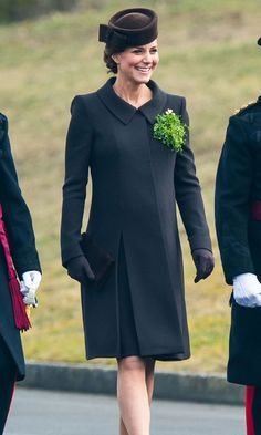 The Duchess of Cambridge's best green ensembles - HELLO! CA