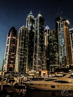 Dubai Marina Walk - I love when I have a picture on my camera that looks just like one on Pinterest,
