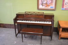 Uberlegen Baldwin Acrosonic Spinet Piano. Great Piano, Great Sound.