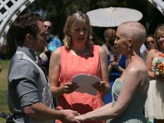 Bride with cancer given dream wedding by strangers dies