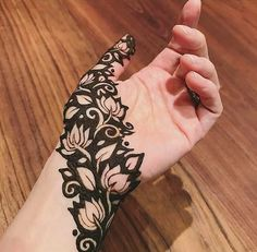 Explore Best Mehendi Designs and share with your friends. It's simple Mehendi Designs which can be easy to use. Find more Mehndi Designs , Simple Mehendi Designs, Pakistani Mehendi Designs, Arabic Mehendi Designs here. Dulhan Mehndi Designs, Mehendi, Rajasthani Mehndi Designs, Mehndi Designs 2018, Modern Mehndi Designs, Mehndi Designs For Girls, Mehndi Design Pictures, Arabic Mehndi Designs, Henna Hand Designs