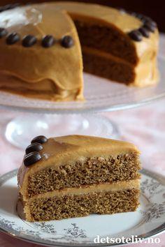Å, nam! Norwegian Food, Let Them Eat Cake, Yummy Cakes, Vanilla Cake, Cake Decorating, Dessert Recipes, Food And Drink, Cooking Recipes, Favorite Recipes