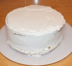 Tort cu frisca, ananas si caramel - Rețete Papa Bun Vanilla Cake, Caramel, Desserts, Food, Kuchen, Sticky Toffee, Tailgate Desserts, Candy, Deserts