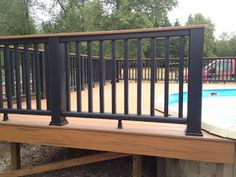 Real Home Inspiration: metal deck railing images only on this page . Real Home Inspir Metal Deck Railing, Patio Railing, Balcony Railing Design, Deck With Pergola, Deck Design, Pergola Kits, Pergola Ideas, Deck Railing Ideas Diy, Outdoor Railings