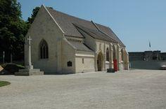 l'église saint Georges du château de Caen Saint Georges, Caen, Mansions, House Styles, Home Decor, Decoration Home, Manor Houses, Room Decor, Villas