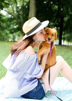 Last weekend I had a picnic with Katie, Maya and Megan at Oz Park in Lincoln Park with Megan's new golden retriever puppy as our guest of honor! Picnic Outfits, Park In New York, Never Grow Old, Kissing Booth, Picnic In The Park, Relaxing Day, Summer Picnic, I Love Dogs, Panama Hat